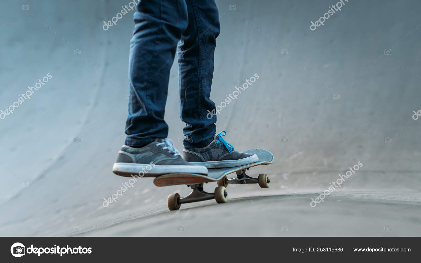 a548dd21 Urban hipster youth leisure skateboarding hobby — Stock Photo ...