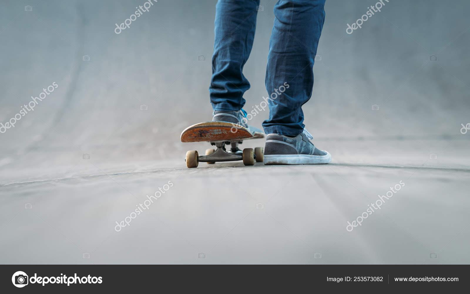 4365d3bc Skateboarder feet sport active lifestyle urban man — Stock Photo ...