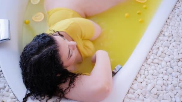stile di vita di lusso spa terapia bagno di agrumi organici