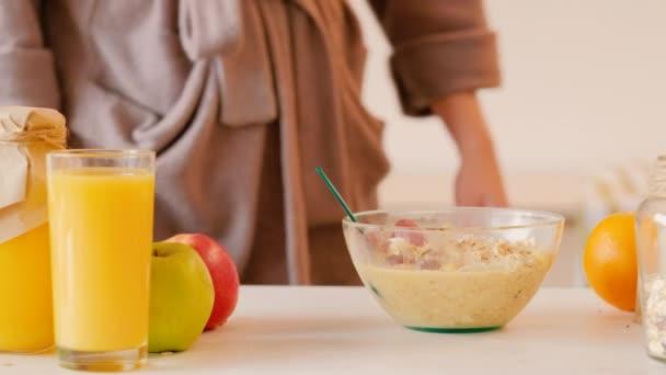 healthy breakfast balanced nutrition oat flakes