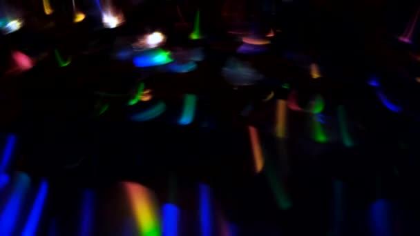 zářící světla proudící slavnostní jiskřicí vícebarevná