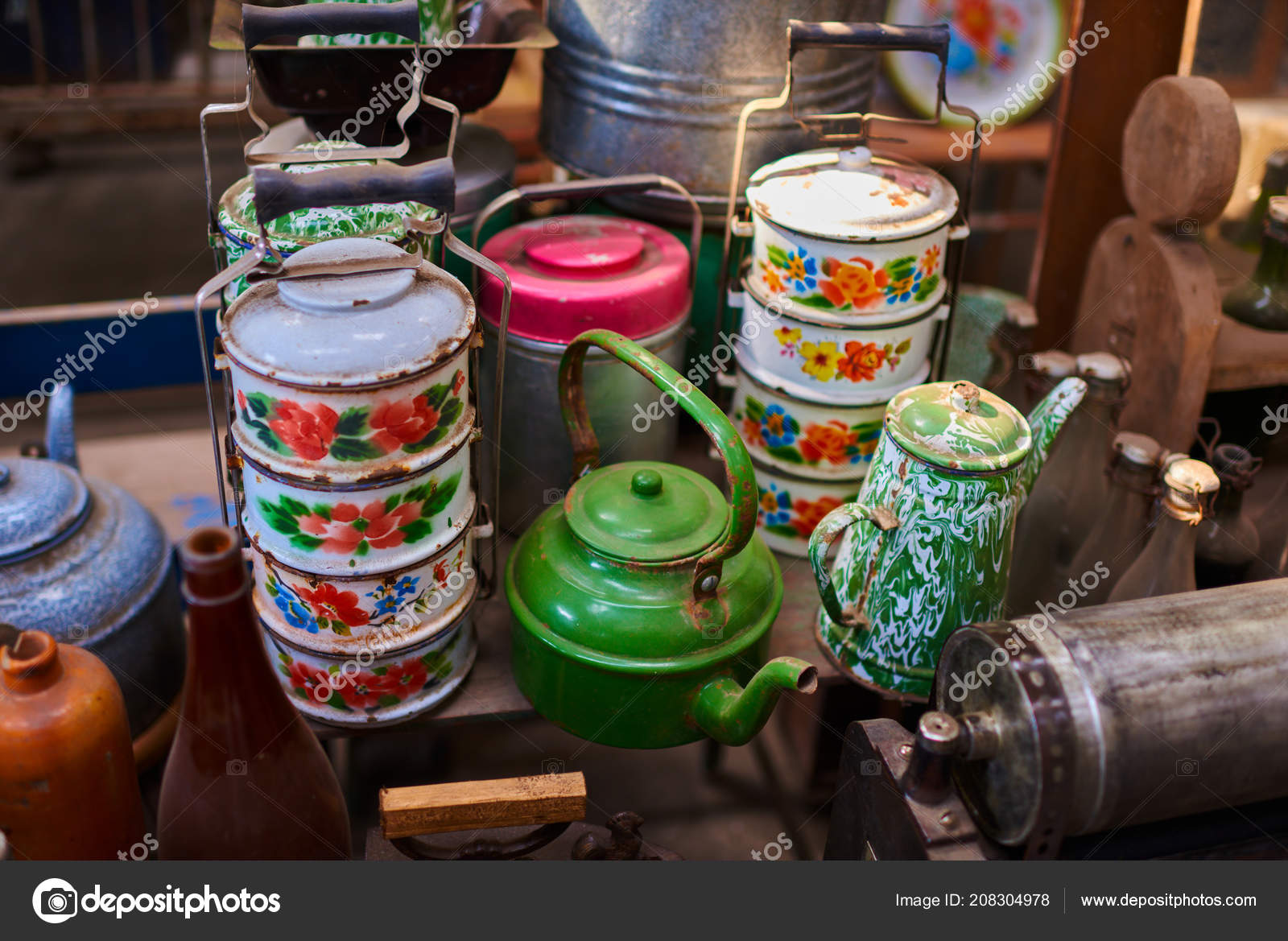 Old Vintage Kitchenware Retro Equipment Cooking Various Objects Sale Indoor  U2014 Stock Photo