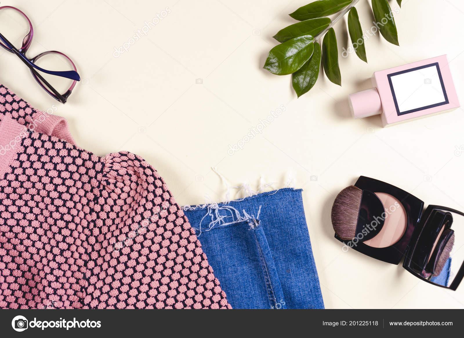 e1c21a41 Fashion Women Clothing Set Accessories Vanilla Pastel Colors Summer Street  — Stock Photo