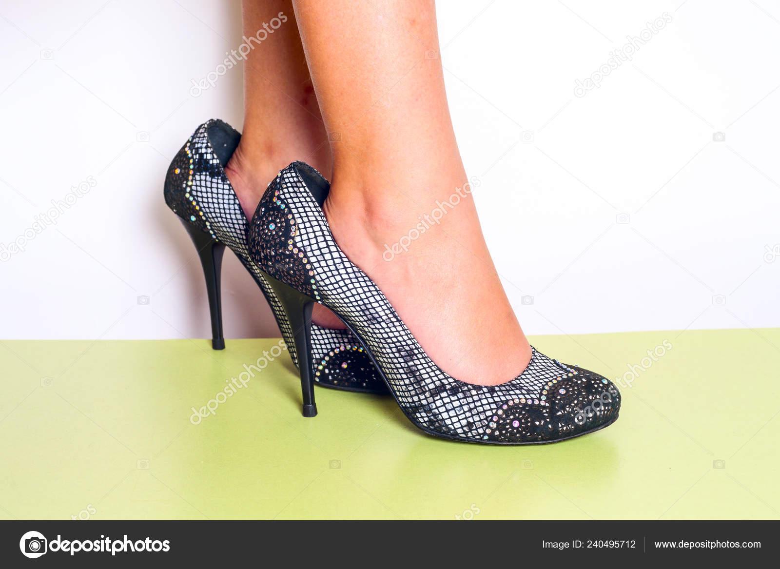Fashionista Madri Nelle Scarpe Tacco Sue Piccola Ragazza Grandi Col xedBCo