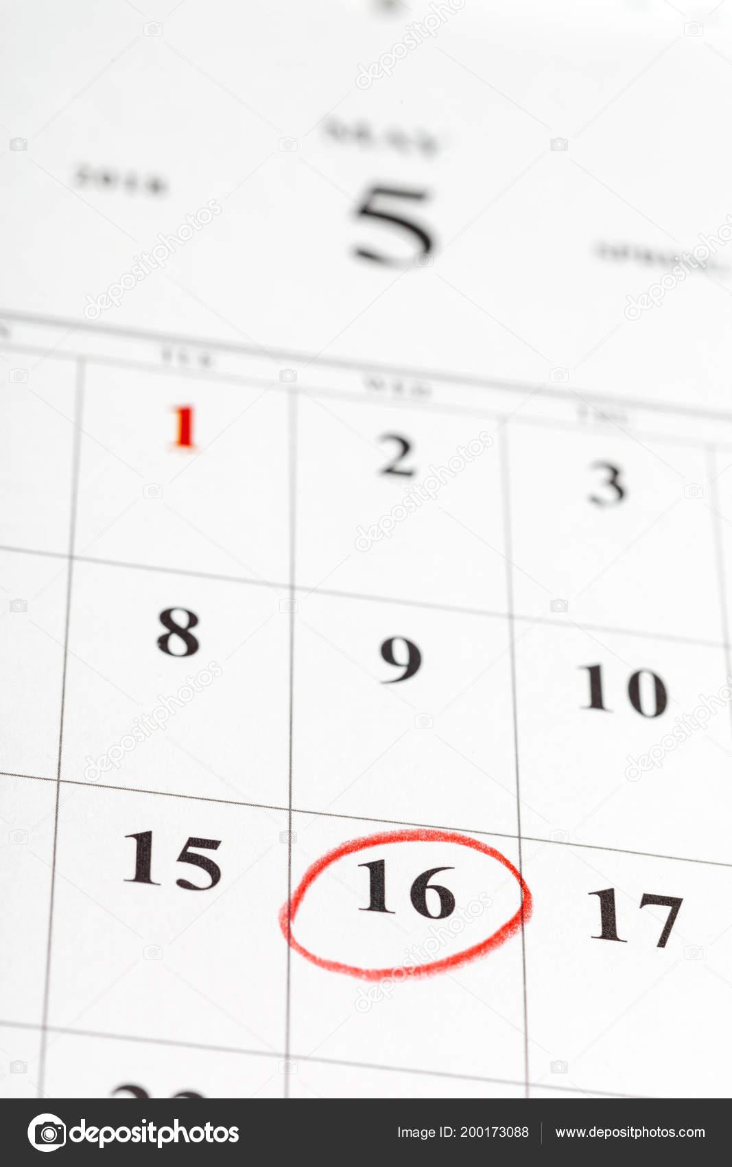 Page Calendrier.Gros Plan Des Dates Sur Page Calendrier Photographie