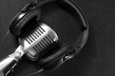 Retro microphone and headphones