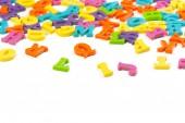 Fotografie barevné hračky abeceda písmena