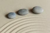 Zahrada Zen kameny na písek