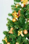 Vánoční stromeček s ozdobami, detail
