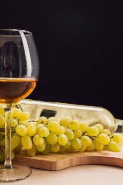 """Картина, постер, плакат, фотообои """"вино и виноград на столе"""", артикул 223342870"""