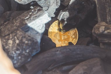 Bitcoin para kömür, yakın çekim