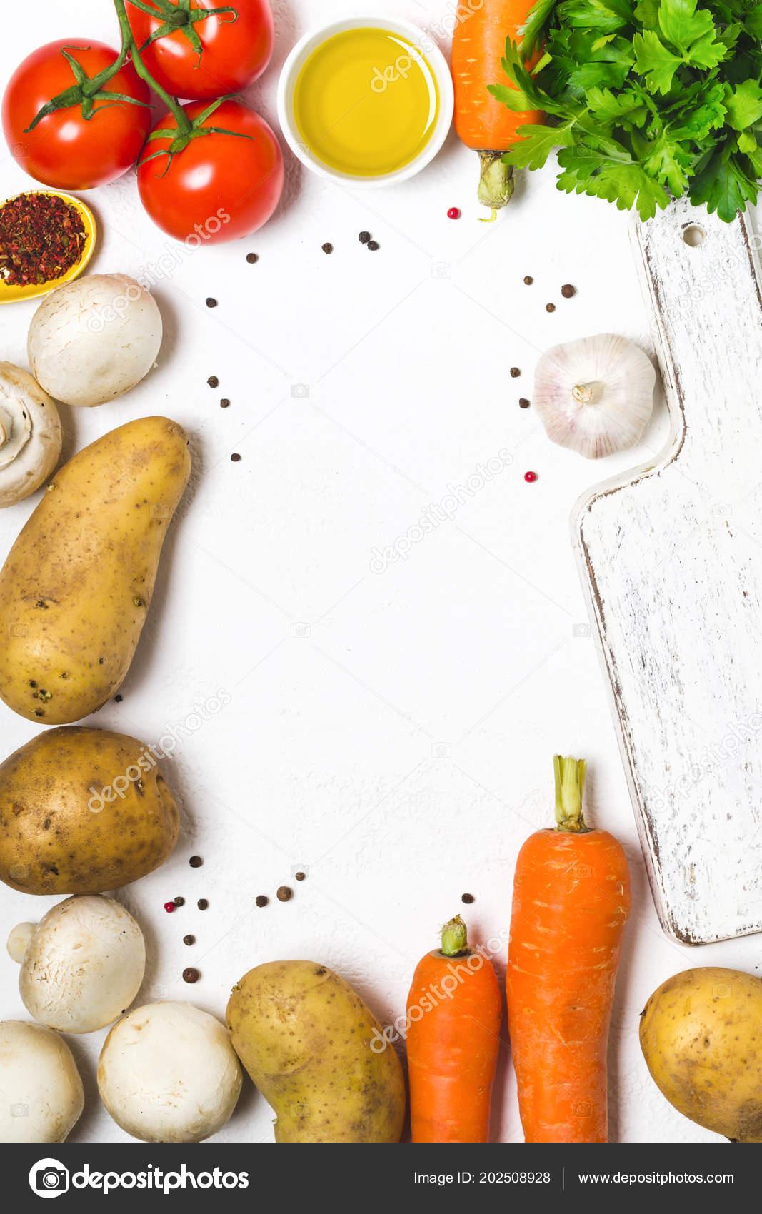 Wallpaper Food Cooking Grill Vegetables Peppers: 음식 요리 배경입니다. 신선한 야채, 향신료, 흰색 바탕에 버섯