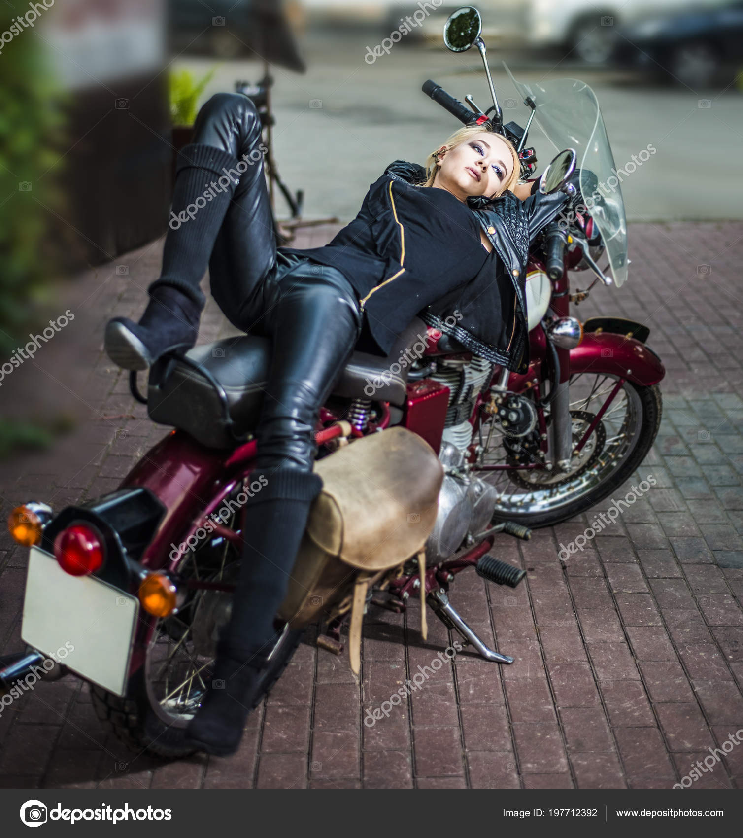 Η χρονολόγηση μοτοσικλετών