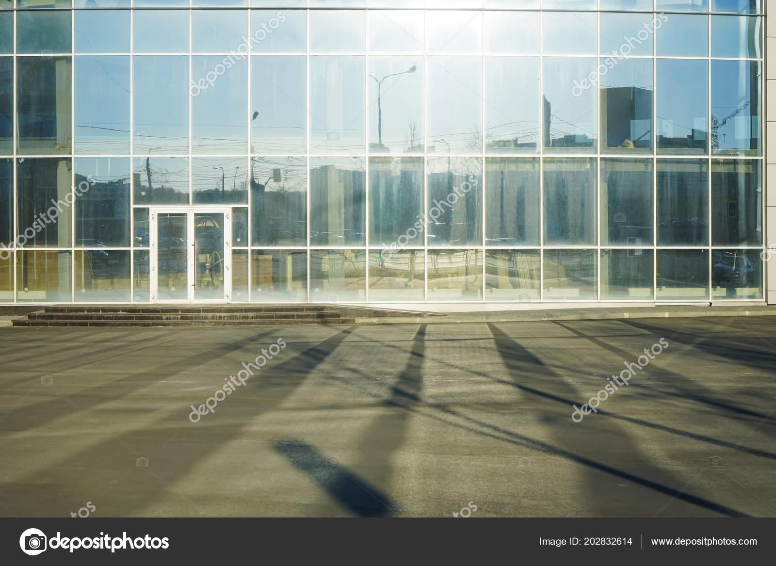 Big Modern Skyscraper Office Building Transparent Glass Exterior Wall Stock Photo Image By C Borjomi88 202832614