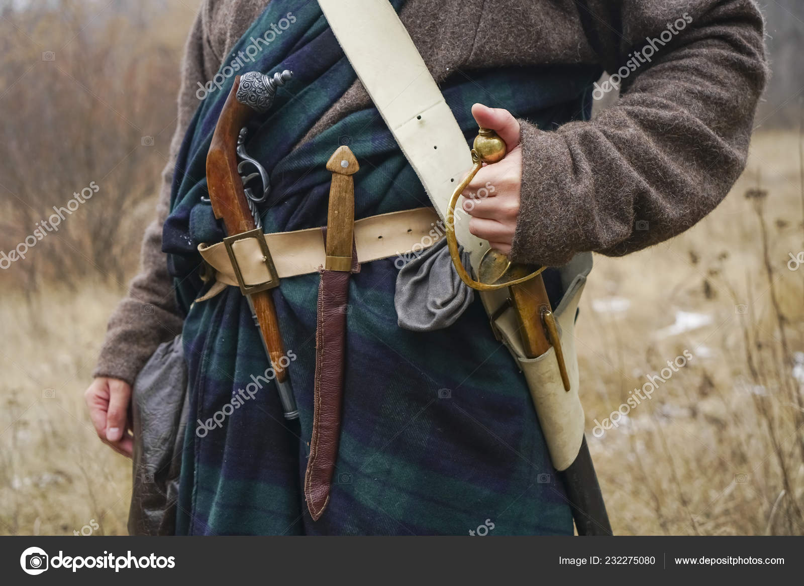 Retro Old Saber Knife Aged Gun Hang Belt Scottish Cape