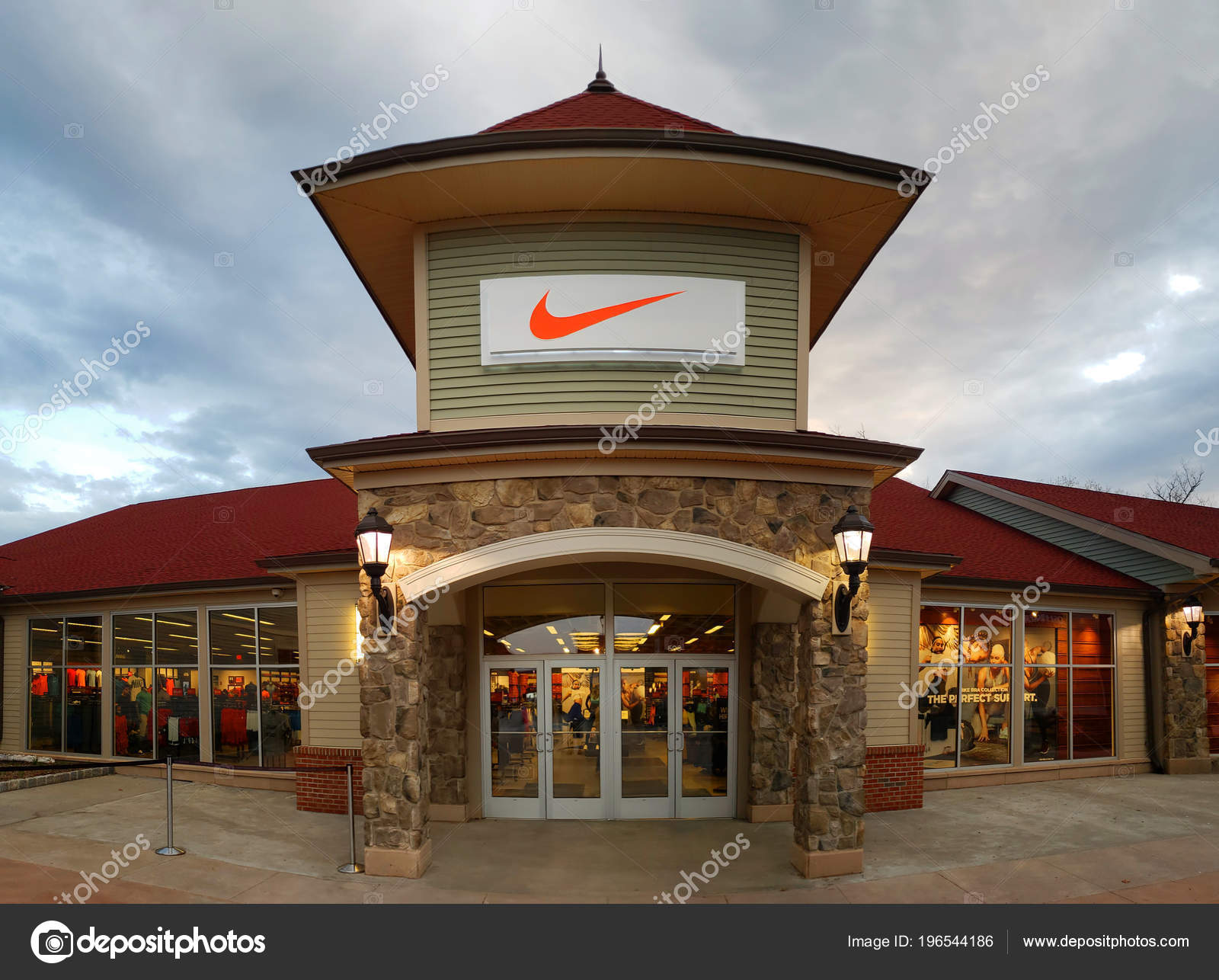 nike store in the valley