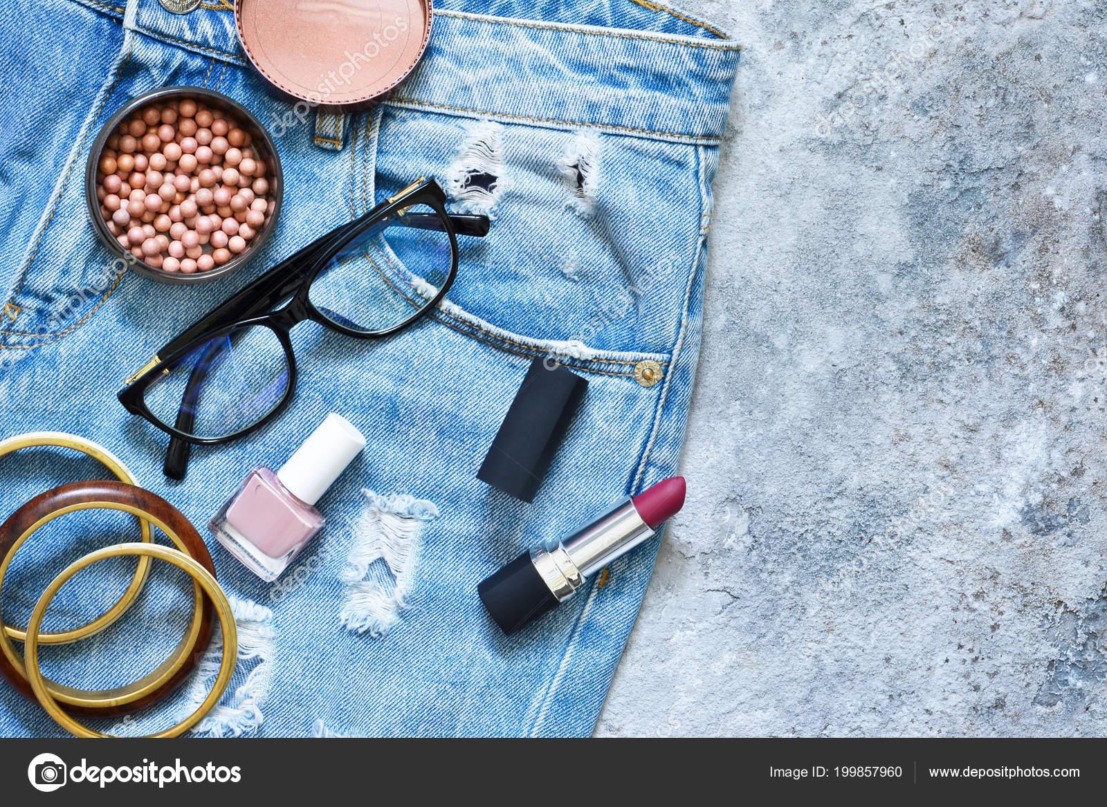 0acca0ded6 Moda Ropa Para Mujer Calzado Accesorios Cosméticos Para Maquillaje — Fotos  de Stock