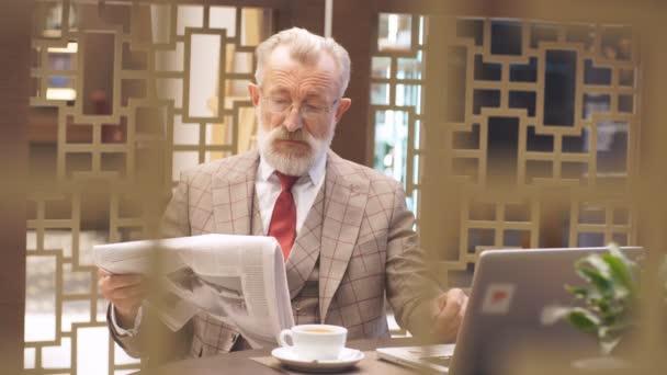 Alten Geschäftsmann Home Office Konzept