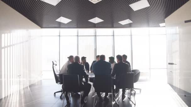 stavební společnost pořádá konferenci se zahraničními partnery