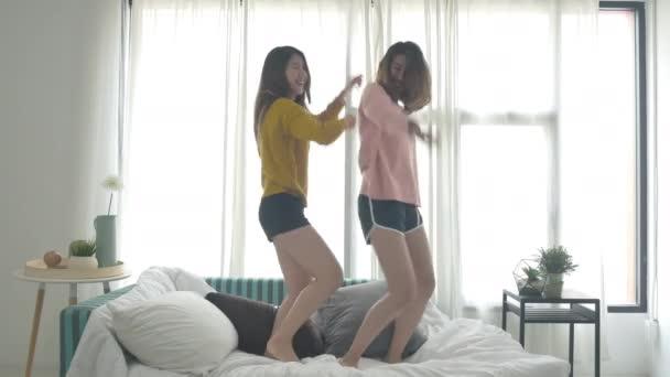 teenage asian lesbians