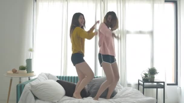 Naked college girls orgi