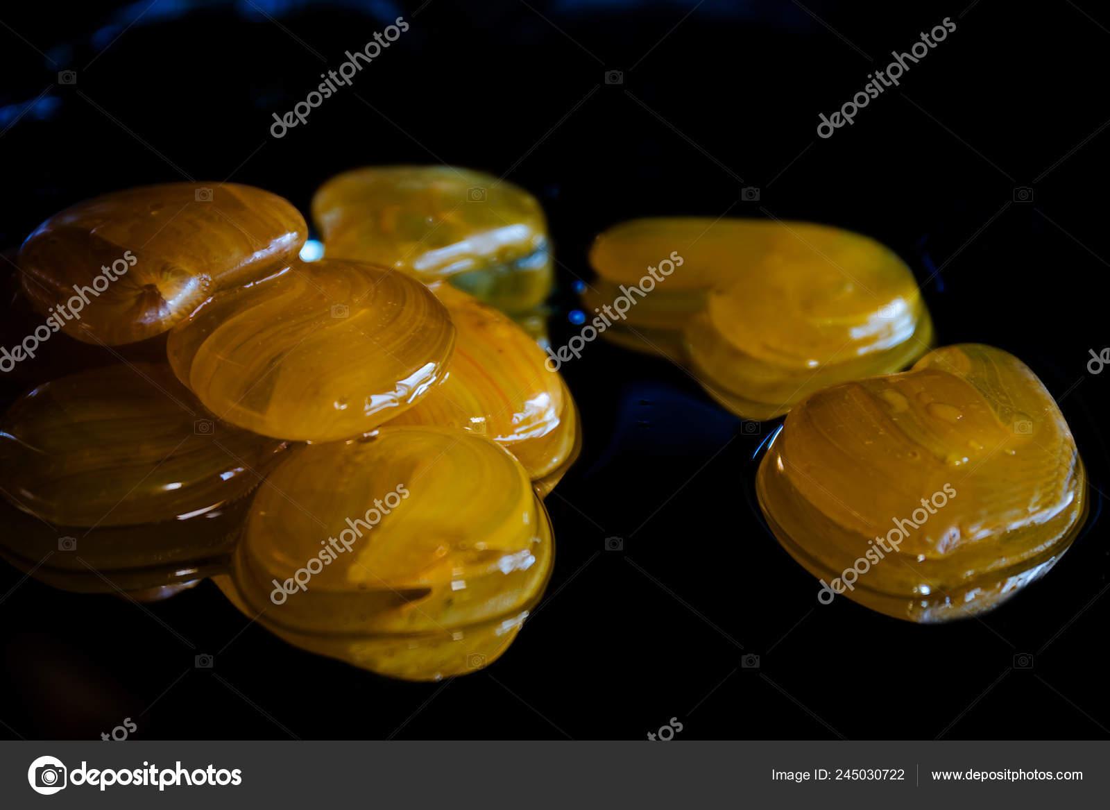 Decorative Stones Beautiful Pattern Mirror Water Drops