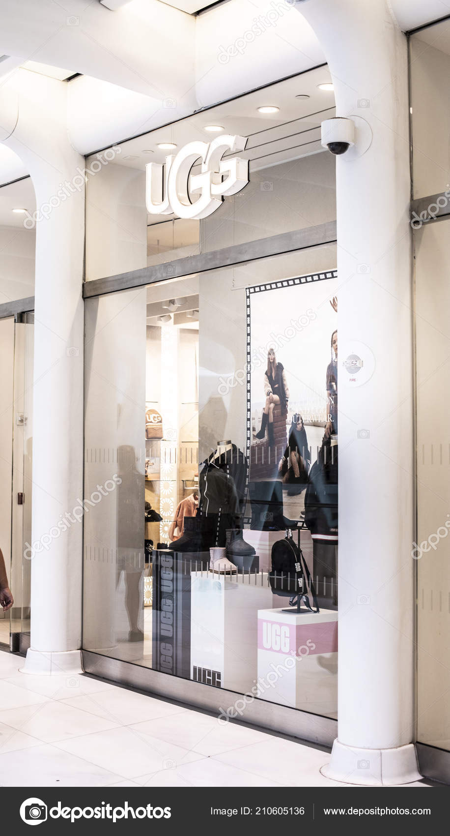 ugg boots store