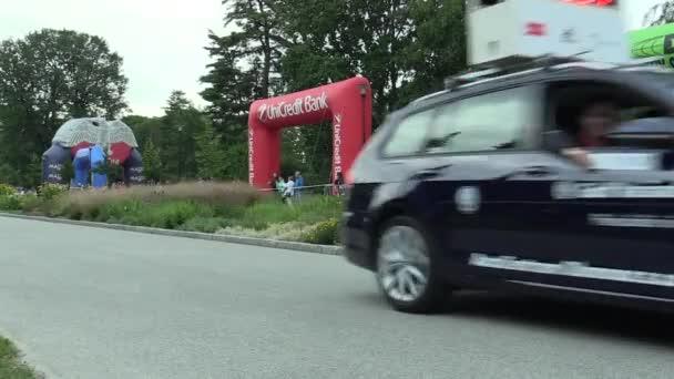 Olomouc, Česká republika, 23 června 2018: Half Marathon závod běh Olomouc 9., trať v centru města v parku Smetanovy sady, elitní běžci z Keni, Etiopii, Iva Gudeta a média auto