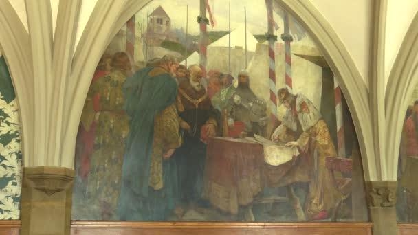 Olomouc, Česká republika, 15 dubna 2018: Rytířský sál v radnici města Olomouc, nástěnné malby historie král Přemysl Otakar Ii předána Olomouc Fojt v roce 1261