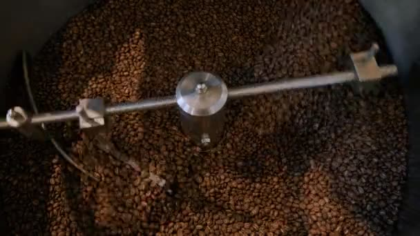 Coffee roasting process in small roaster factory