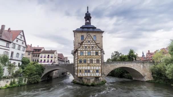 Zeitraffer des alten rathauses und der oberen brcke von bamberg