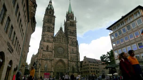 Fassade der Lorenzkirche in Nürnberg
