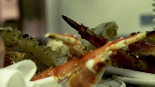 Gurmánské mořské plody desky připravené v restauraci.