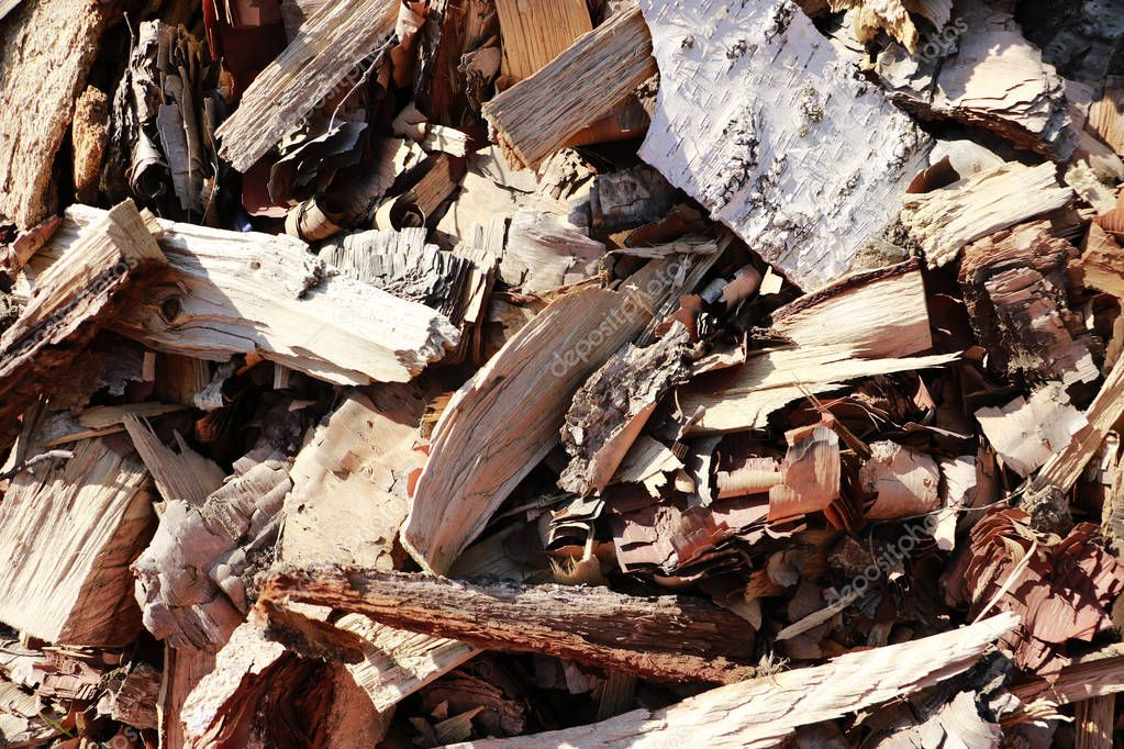 Close-up view texture background of bark fine wood chips for smoking or recycle.