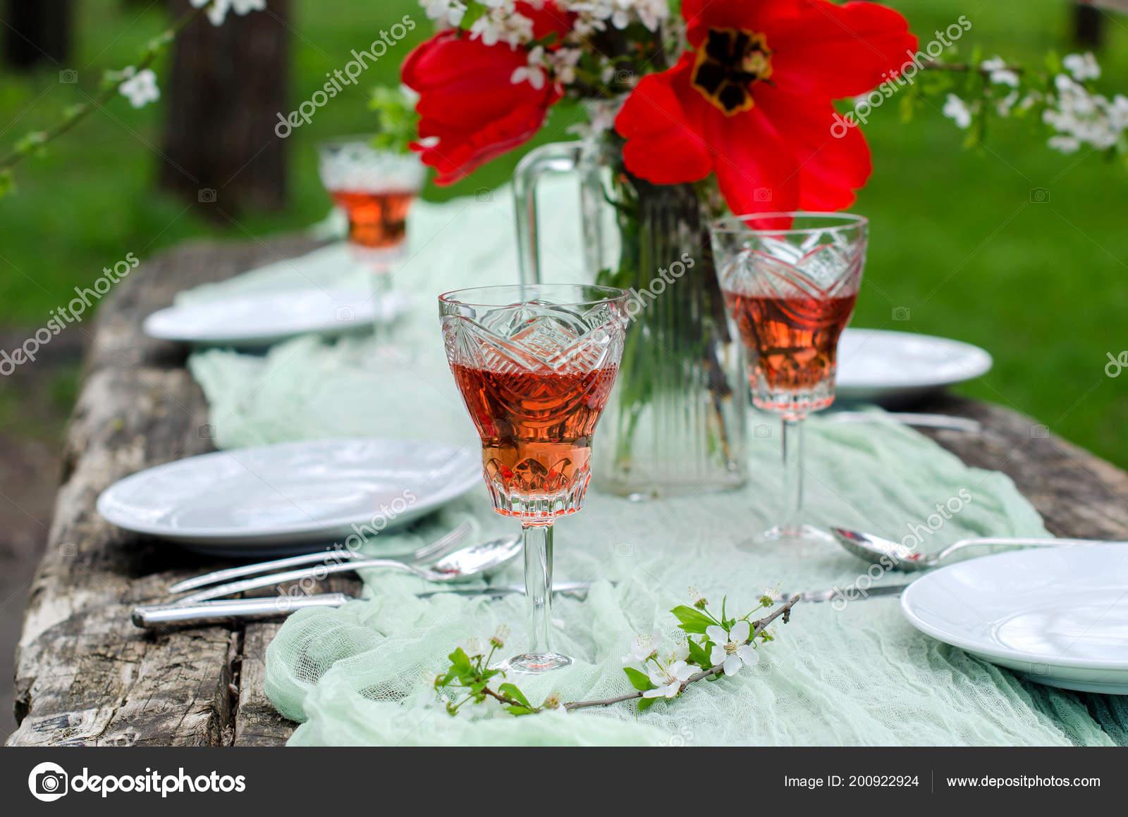 Belle Table Fond Fête Dans Jardin Ancienne Table Bois Cerisiers ...