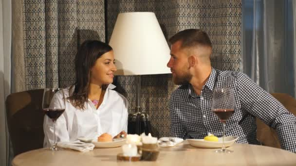 ba76d7d902594 Beautiful Bearded Man Gives Gift His Girlfriend Restaurant Happiness ...