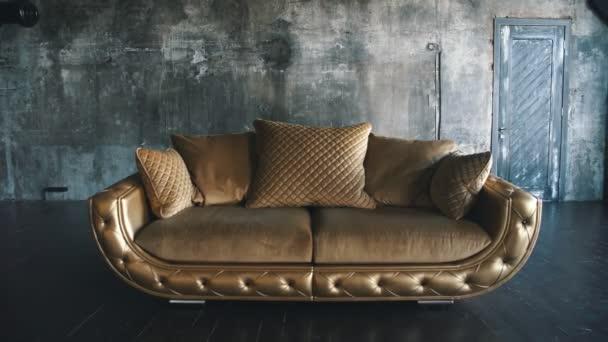Luxusní zlaté pohovka na výplň pozadí