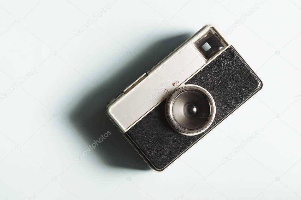 Последствия покупки серого фотоаппарата были