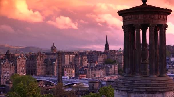 Úžasný a krásný panoramatický výhled na západ slunce z Edinburgh city, v reálném čase, Edinburgh, Skotsko, Velká Británie