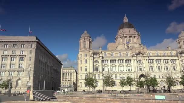 Liverpool, Velká Británie - cca 2018: Building játra. Budova na nábřeží Liverpool je jedním z Tři Grácie v čele Pier, Liverpool, Anglie. Je součástí světového dědictví UNESCO.