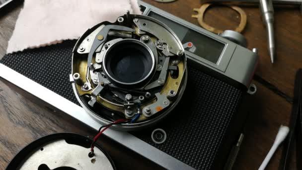 Záběry zavřít ručně opravit vintage kamery filmu 135 mm
