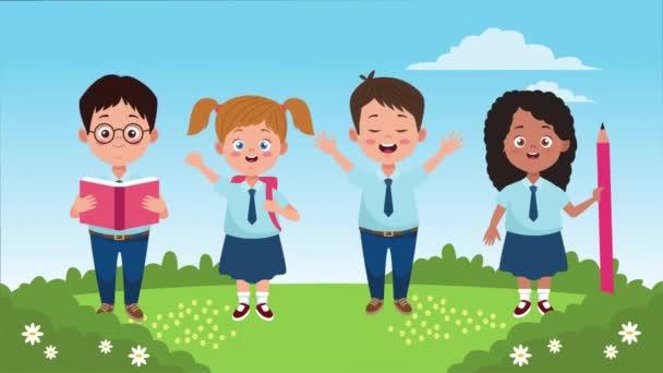 zpět do školní sezóny s malými dětmi v táboře