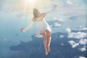 Fotografie Die Seele verlässt den Körper nach Tod. Meditation und Traum Konzept 3d render