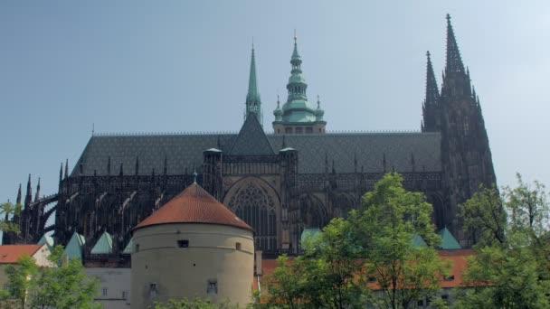 nádherné staré gotické budovy z katedrály svatého Víta, panoramatickým výhledem