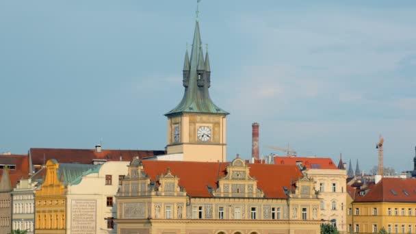 tradiční středoevropský architektonický styl, budovy v centru Prahy