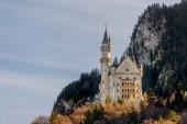Bavorsko, Německo – 12. února 2016: nádherný zámek Neuschwanstein poblíž Füssen