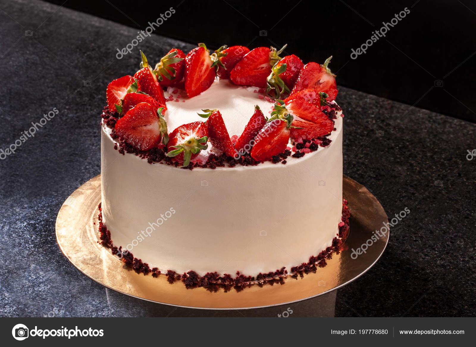 Tarta De Queso Con Fresas Pastel Decorado Con Fresas Delicioso