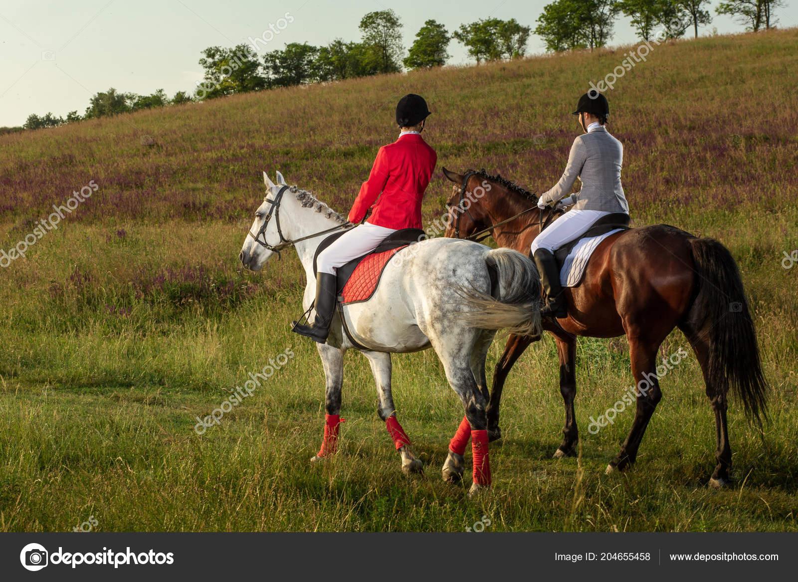 frauen pferde reiten
