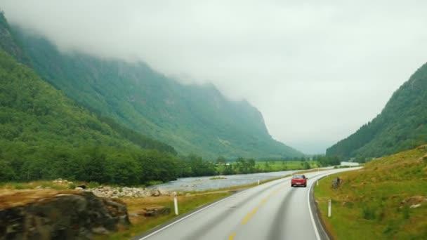 Cesta přes krásné místa Norska, cestování autem
