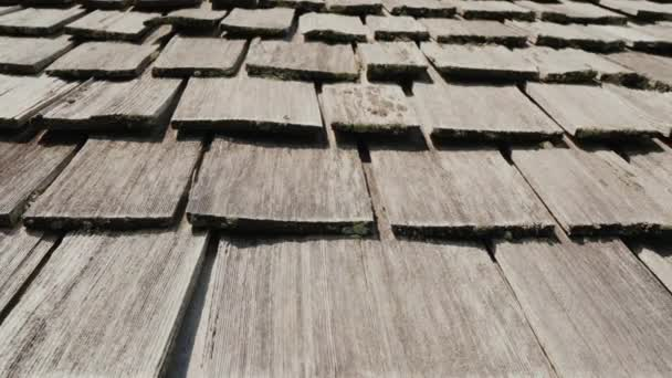 Dřevěná střecha starého amerického domu. Vyrobené z dřevěných dlaždic